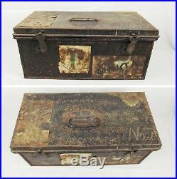 Cased Royal Navy Commanders Bicorn, Epaulettes and Sword Belt c1930's
