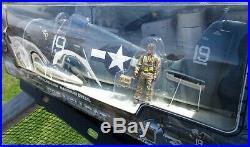 Elite Force BBI WWII U. S. Navy F6F HELLCAT 1/18 Scale Airplane+Pilot Alex Vraciu