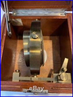 WWII HAMILTON SHIP MOUNTED CHRONOMETER WATCH, MODEL 22-21 Jewels, Mfg. 1943